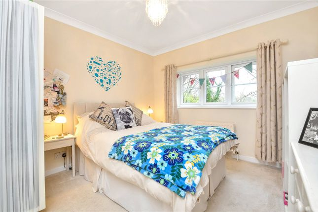 Thumbnail Link-detached house to rent in Lindley Gardens, Alresford, Hampshire