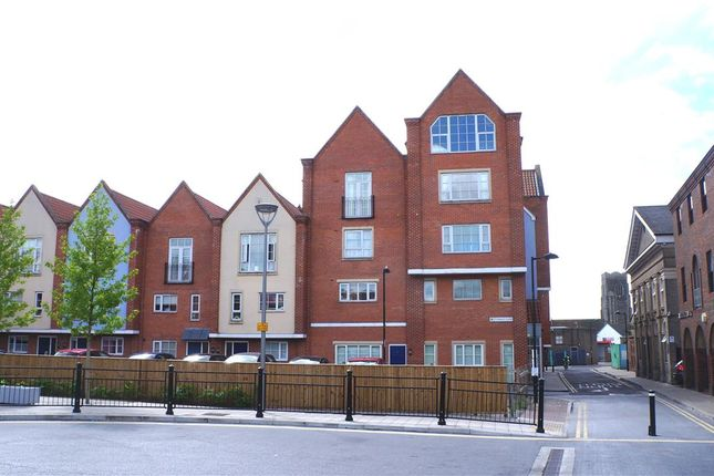 Thumbnail Flat to rent in Turret Lane, Ipswich