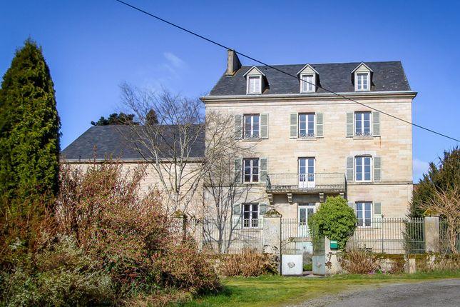 Thumbnail Villa for sale in Vidaillat, Creuse, Nouvelle-Aquitaine