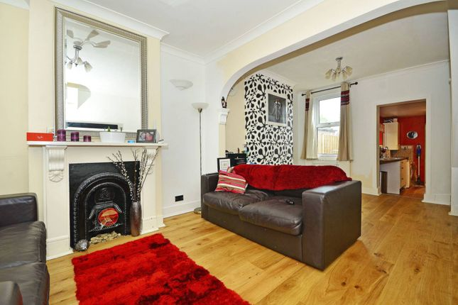 Thumbnail Property for sale in Wakelin Road, Stratford