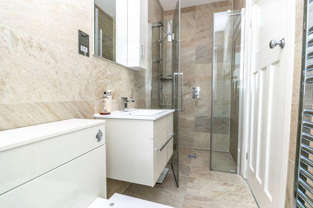 En-Suite of Norcott Avenue, Stockton Heath, Warrington WA4