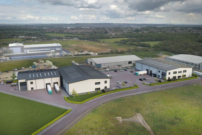Thumbnail Warehouse to let in Faraday Business Park, Spitfire Way, Solent Airport, Daedalus, Fareham