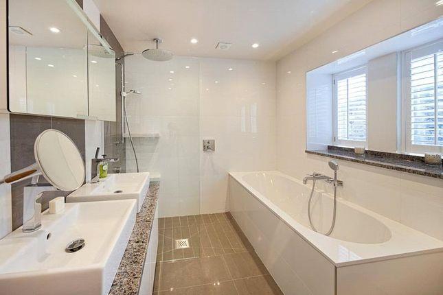 Bathroom of St. Margarets Road, Oxford OX2