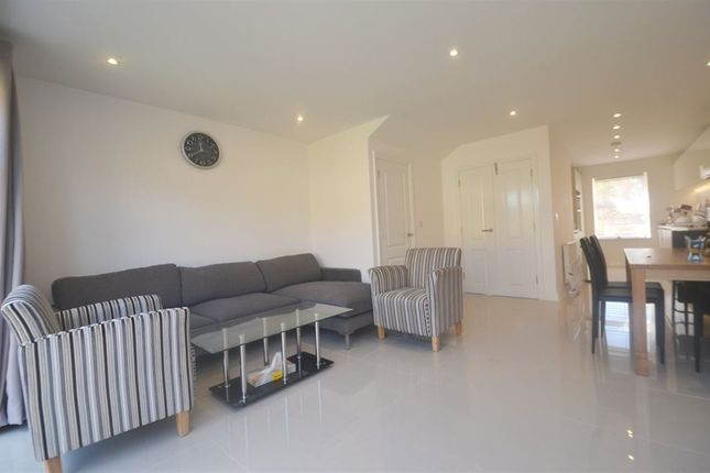 Thumbnail Property to rent in Autumn Way, West Drayton