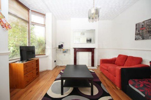 Thumbnail Shared accommodation to rent in Staveley Road, Wolverhampton, West Midlands