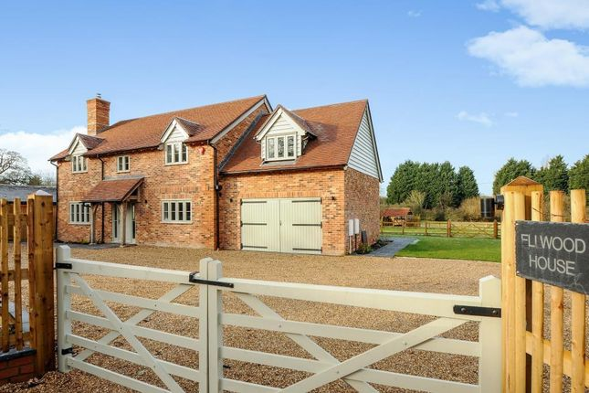 Thumbnail Detached house for sale in Osborne Lane, Warfield, Berkshire