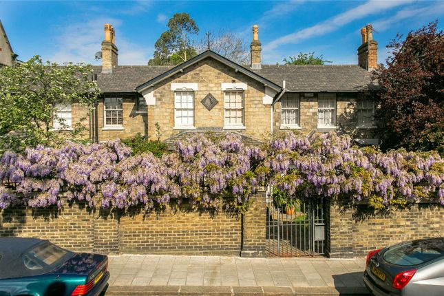 Thumbnail Detached house for sale in Hillside Road, London
