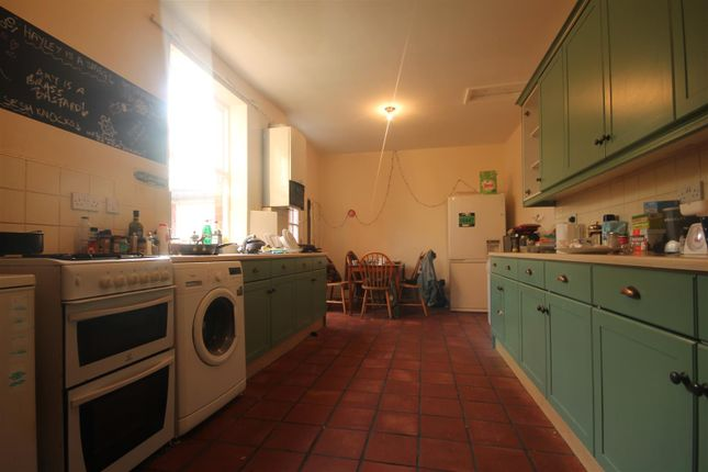 Thumbnail Flat to rent in Alexandra Road, Heaton, Newcastle Upon Tyne