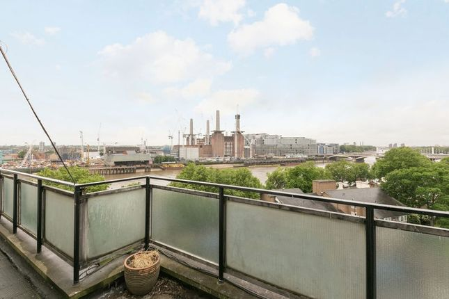 1 bed flat for sale in Churchill Gardens, London