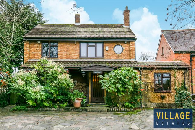 5 bed detached house for sale in Elstree Hill South, Elstree, Borehamwood WD6