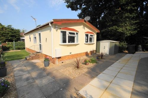 Mobile Park Home For Sale In Barnes Road Bournemouth
