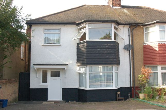 4 bed terraced house to rent in Richmond Gardens, Hendon
