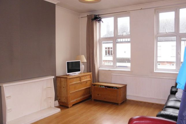 Thumbnail Flat for sale in Burnt Ash Lane, Bromley