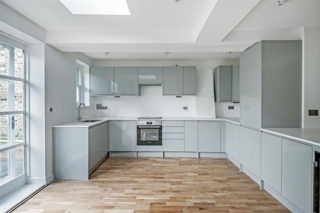 Thumbnail Property for sale in Church Square, Shepperton