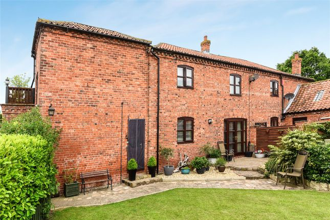 Picture No. 31 of Hall Farm, Heapham DN21