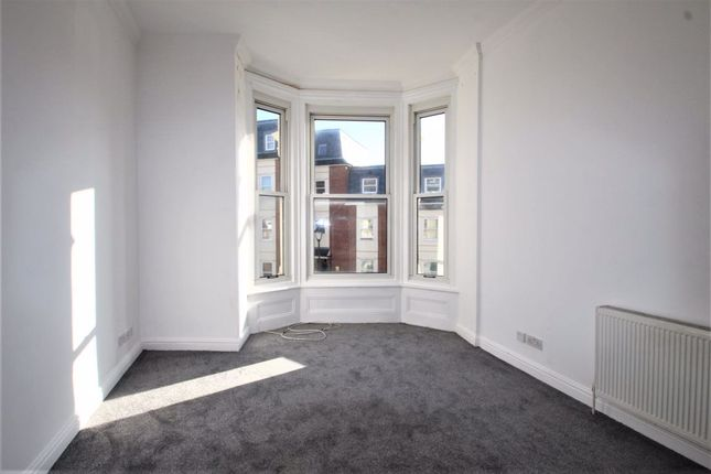 Flat to rent in Alhambra Road, Southsea, Hampshire