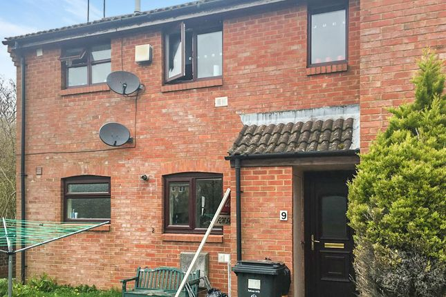 Thumbnail Maisonette for sale in Speedwell Close, Swindon