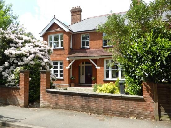 Thumbnail Maisonette to rent in Middle Gordon Road, Camberley, Surrey