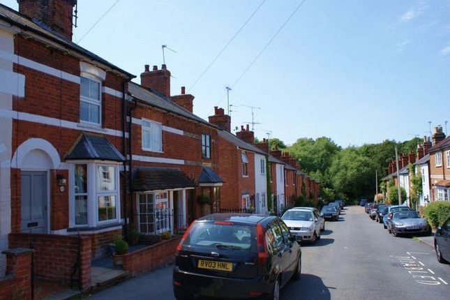 Thumbnail Terraced house to rent in Brook Street, Twyford, Reading