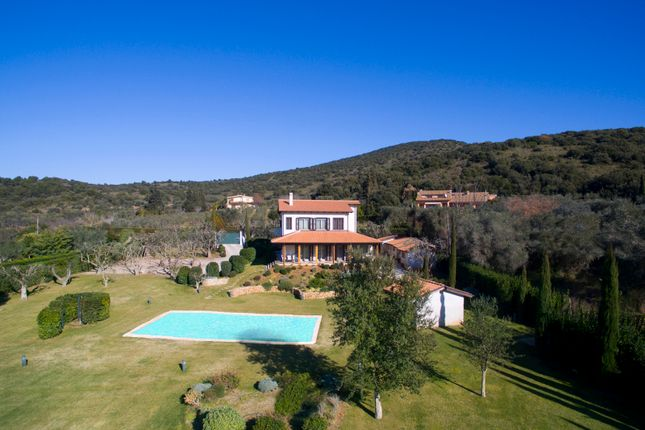 4 bed villa for sale in Orbetello, Grosseto, Tuscany, Italy