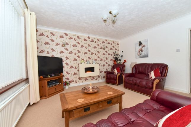 3 bed bungalow for sale in Boundary Close, Yeovil