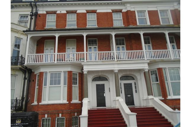 Thumbnail Flat to rent in Flat 5, Lewis Crescent, Cliftonville, Margate