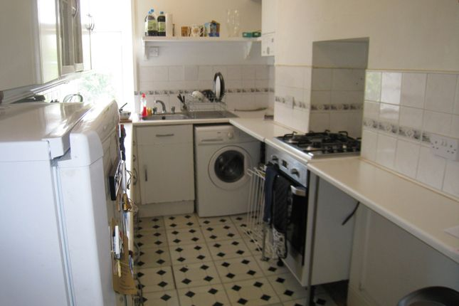 Thumbnail Flat to rent in Montpelier Road, Brighton