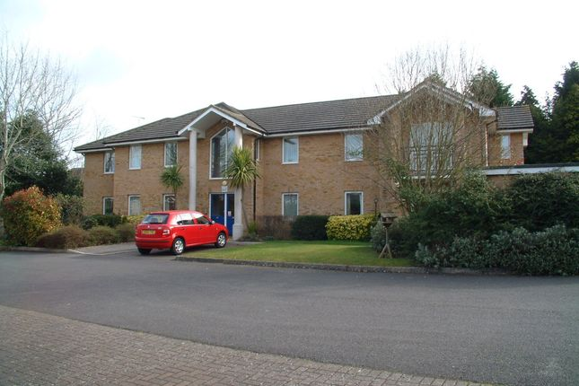 Thumbnail Flat to rent in Salisbury Road, Farnborough