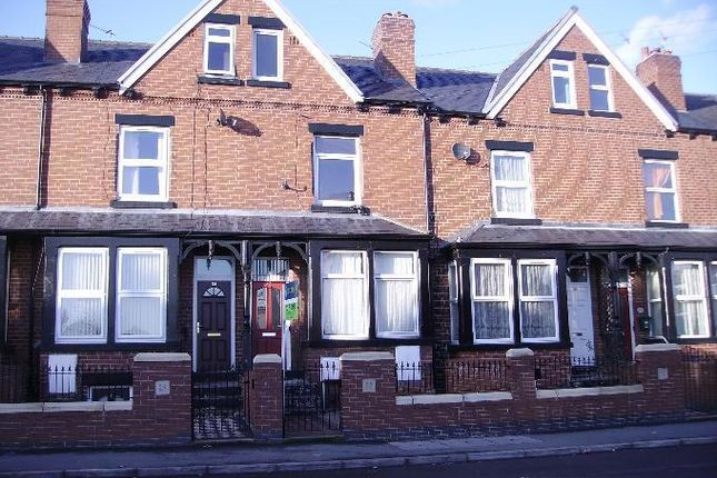 Thumbnail Flat to rent in Maud Avenue, Beeston, Leeds