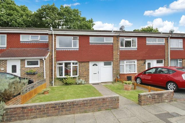 Thumbnail Terraced house to rent in Greenacres, Crawley