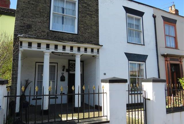 Thumbnail Property to rent in North Quay, Great Yarmouth