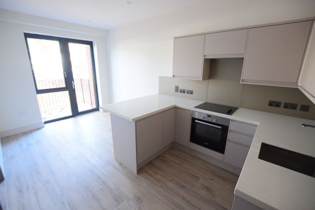Thumbnail Flat to rent in Elvian House, Nixey Close, Slough, Berkshire
