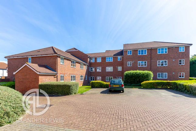 Thumbnail Flat for sale in Marmet Avenue, Letchworth Garden City