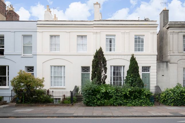 Room to rent in Clarence Road, Cheltenham GL52