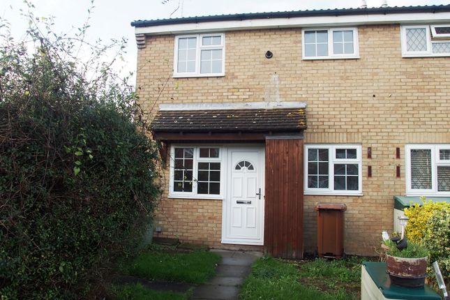 Thumbnail Semi-detached house to rent in Hanway, Gillingham