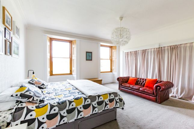 Master Bedroom of Union Place, Montrose DD10