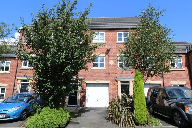 3 bed property for sale in Ann Street, Hyde