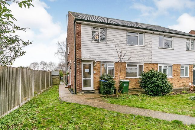 Thumbnail Maisonette for sale in Stonefield Close, Bexleyheath