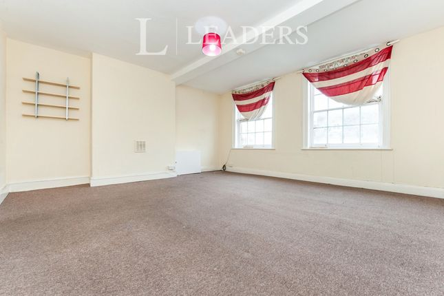 2 bed flat to rent in Market Place, Faringdon SN7