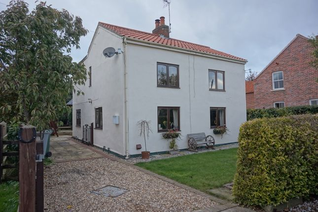 Thumbnail Cottage for sale in Barrel Hill Road, Sutton-On-Trent, Newark