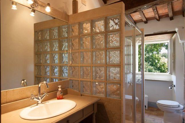 Bathroom Mill of Casa Molino, Anghiari, Tuscany