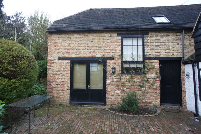 Thumbnail Barn conversion to rent in High Street, Sonning On Thames