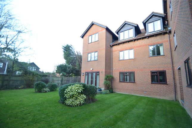 2 bed flat for sale in Sadlers Court, Winnersh, Wokingham, Berkshire