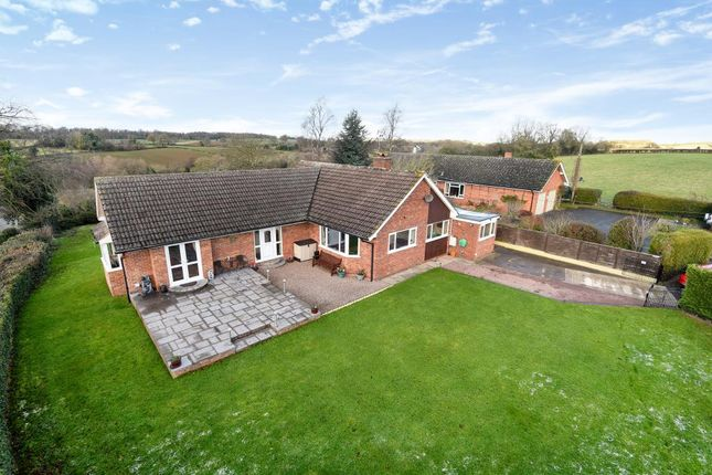 3 bed detached bungalow for sale in Kimbolton, Herefordshire