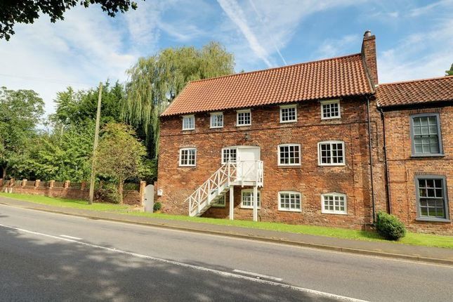 Thumbnail Property for sale in Scawby Road, Scawby Brook, Brigg