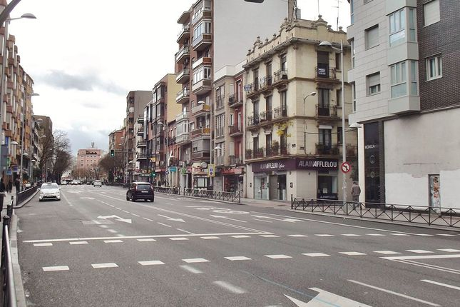 Commercial property for sale in Tetuán, Madrid, Spain