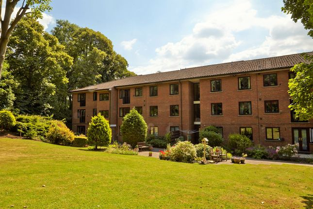 Thumbnail Flat for sale in Dingles Court, Pinner, Middlesex