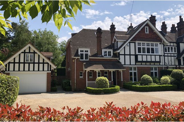 Thumbnail Cottage for sale in Crawley Ridge, Camberley