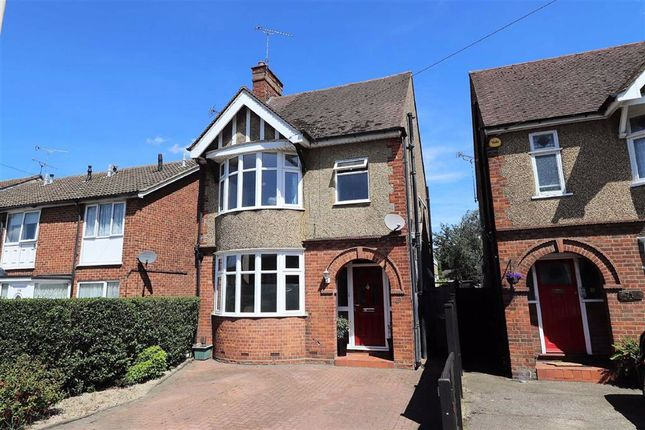 Thumbnail Detached house for sale in Stanbridge Road, Leighton Buzzard