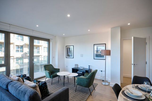 Thumbnail Flat for sale in Vallance Road, London